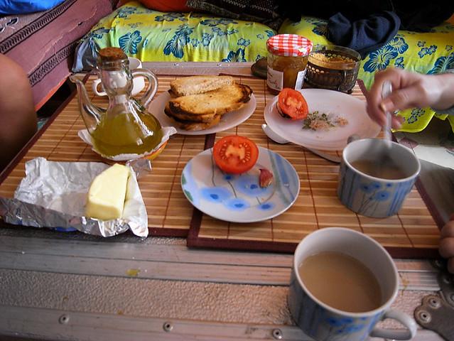 b_breakfast.jpg