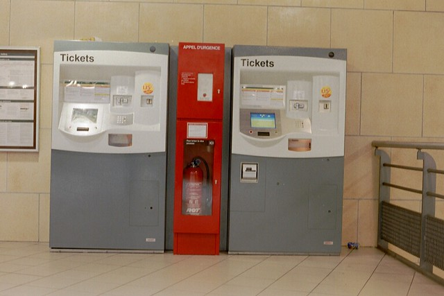 lille metro ticket machines flickr photo sharing. Black Bedroom Furniture Sets. Home Design Ideas