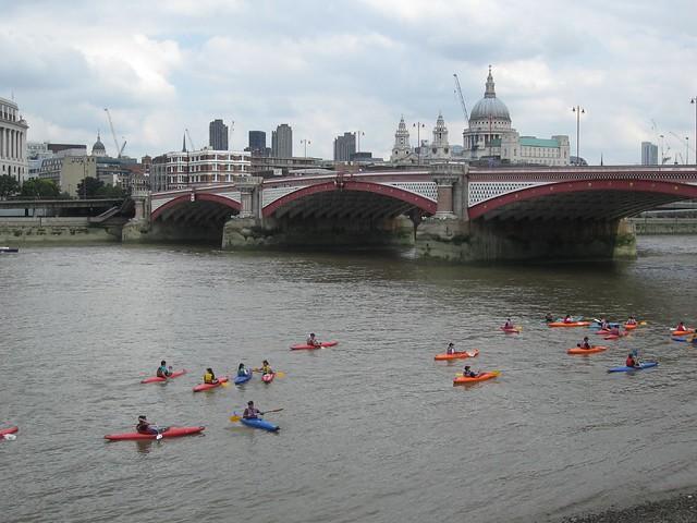 Kayak-ing the Thames