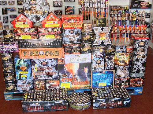 Epic Fireworks - The Giant Bonfire DIY Display Pack - £1500 Inc. VAT & Free Delivery