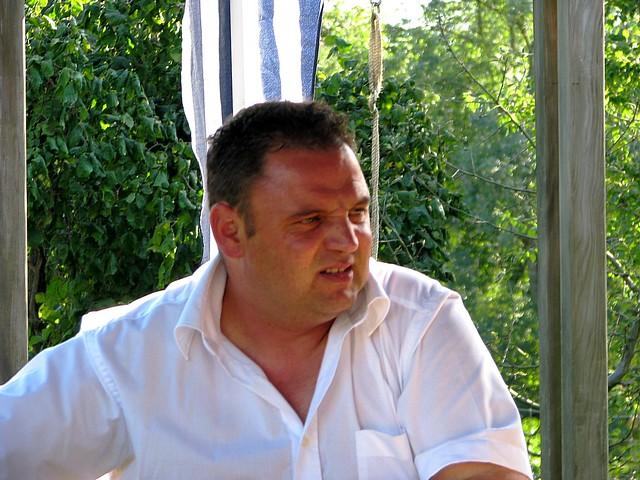 Header of Ossi