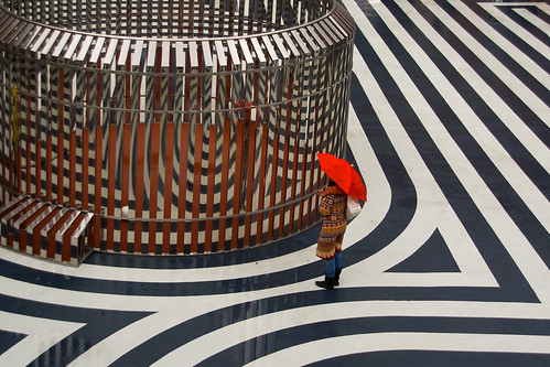 museum umbrella canon rotterdam raw nederland thenetherlands apollo paraplu hoc redumbrella boymans blueribbonwinner thonik olafnicolai canoneos400d aplusphoto pietermusterd goldstaraward novavitanewlife
