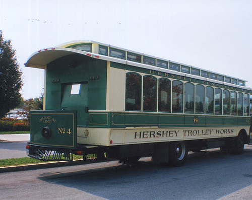 Hershey Pennsylvania rubber tired tourist trolley. September 2008. by Eddie from Chicago
