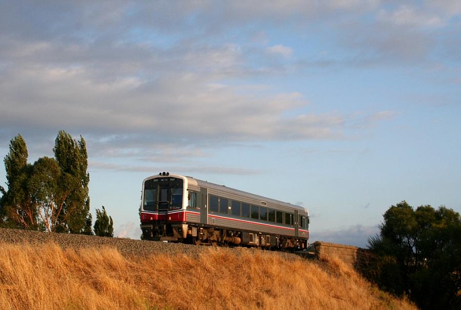 Sprinter railcar - Kyneton, Victoria by somebodywww