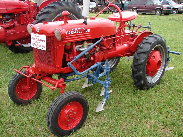 1949 farmall cub 10hp from the tired iron of the oz. Black Bedroom Furniture Sets. Home Design Ideas
