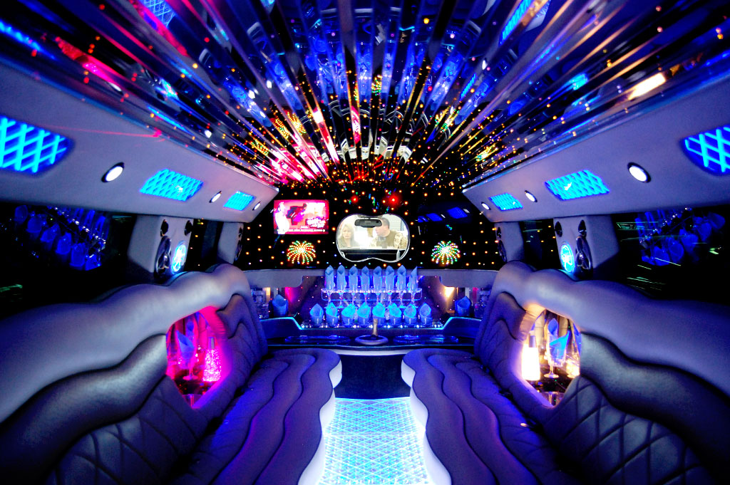 Image Gallery limos with pools