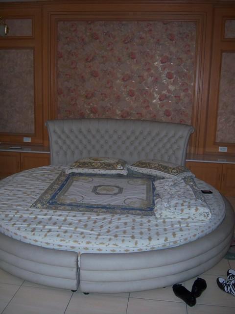Shaq Bed   Flickr - Photo Sharing!