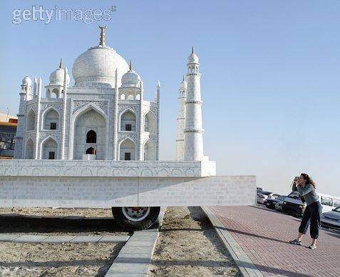 Taj mahal by Malayalamlive.com