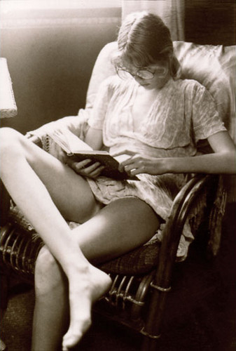 David Hamilton Photographs of Models http://www.flickr.com/photos/dullsie/3118453153/
