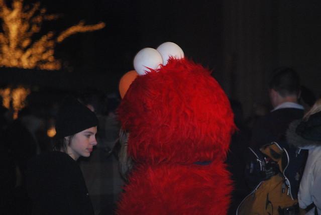 Yo Elmo! Turn Around