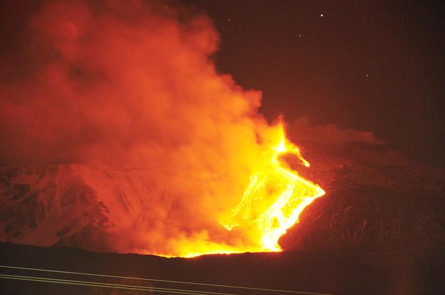 Etna Volcano Paroxysmal Eruption Jan 12 2011 - Creative Commons by gnuckx