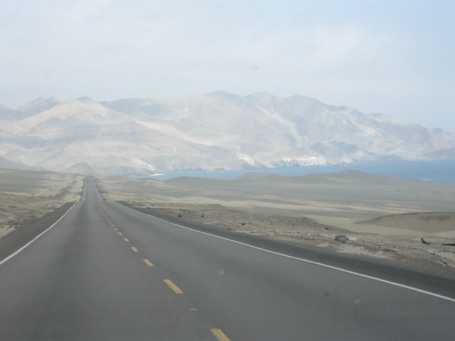 the pan-american highway North of Lima, Perú