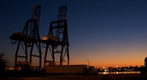 mobile docks sunrise dawn downtown time crane alabama cranes 2008 mobileriver photospecs september2008 alabamastatedocks