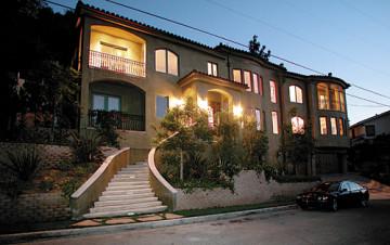 Vanessa Hudgens Buys $2.75m Studio City House (Photos)