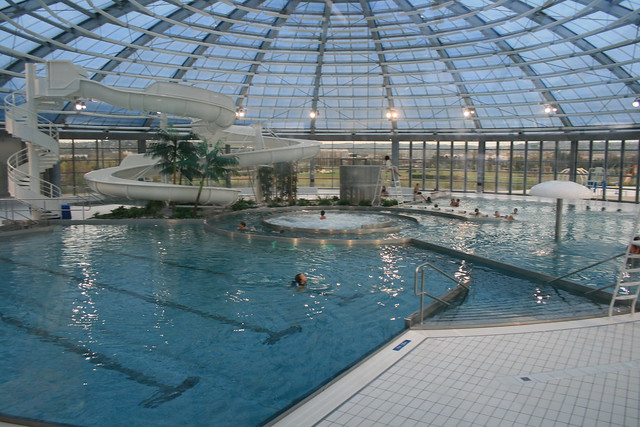 P le aquatique vichy fr03 flickr photo sharing for Pole house piscine