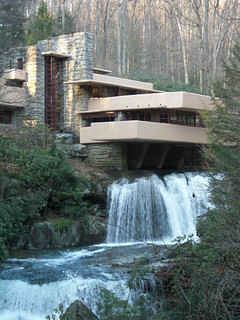 Frank Lloyd Wright ---Falling Water