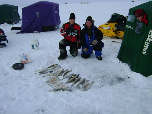 Lake of the woods ice fishing success flickr photo for Mn ice fishing show