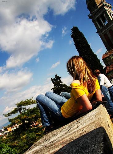 sky italy italia cielo vista 2008 ragazza udine cubism riflessione muretto sfogo abigfave jodyart jodysticca