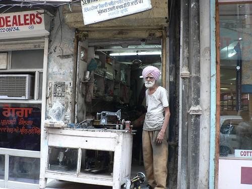 viking sewing machine repair shops