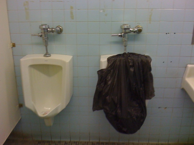 World39s most disgusting bathrooms ever flickr photo for Disgusting bathroom pictures