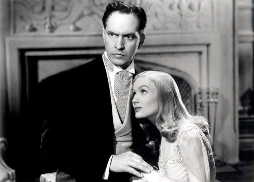 Fredric March and Veronica Lake - I Married a Witch 1942
