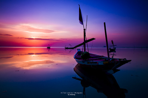 sea sky sun beach sunrise boat colorful slowspeed singintheblues flickrsbest kenjeran anawesomeshot seasunclouds theperfectphotographer skyascanvas nikonflickraward