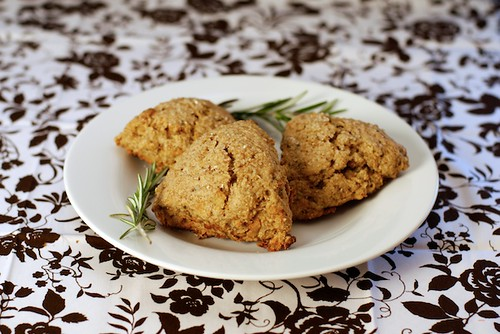 Oat scones with cheddar, rosemary, apples, and toasted walnuts ...