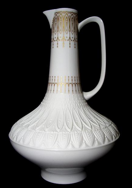 wundersch ne grosse alte amphora vase relief gold. Black Bedroom Furniture Sets. Home Design Ideas