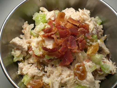 chicken salad with golden raisins and bacon