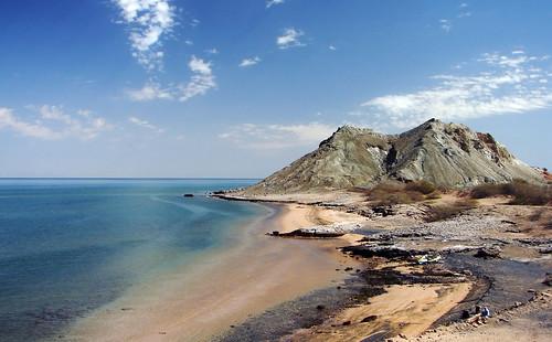 blue sky mountain beach landscape island iran silence persiangulf bandarabbas hormoz hormozgan جزیره هرمز hormozisland خضر khezr khidr upcoming:event=418807 alkhidr