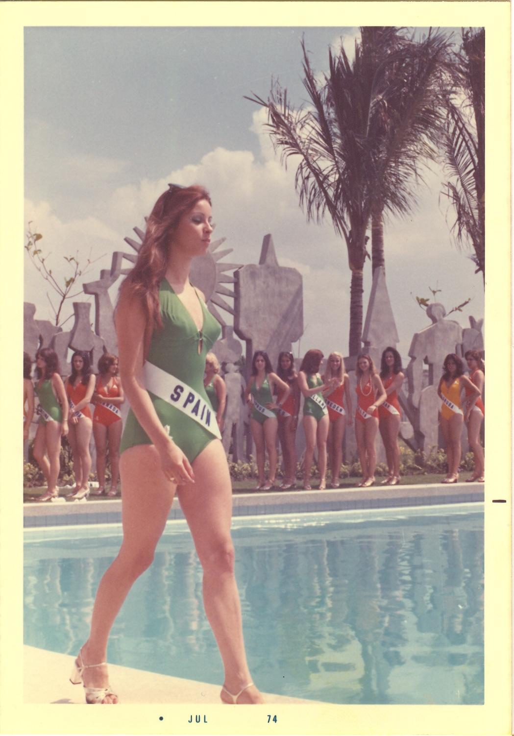 Amparo Muñoz Quesada Fotos ··tribute to miss universe 1974