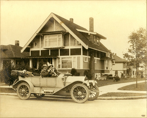 Seattle family in a 1912 Speedwell