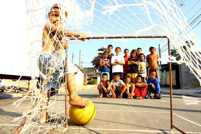 Futebol de rua   Futebol de rua , na Vila Guarani, São