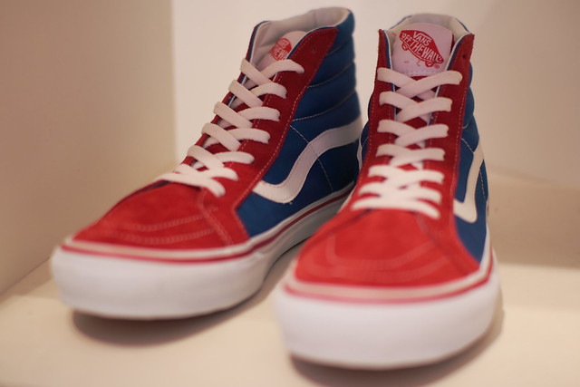 Vans Fashion Square Mall Number