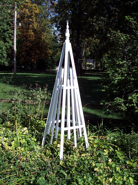 Obelisk Trellis Flickr Photo Sharing