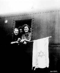 Jewish children are on their way to Palestine