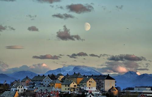 houses moon mountains soe ålesund aalesund justbeforesunset mywinners larigan phamilton theperfectphotographer notawaterfallinsight needafriendlikeyou licensedwithgettyimages