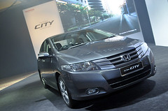 minivan(0.0), honda accord(0.0), automobile(1.0), automotive exterior(1.0), executive car(1.0), family car(1.0), vehicle(1.0), honda city(1.0), honda(1.0), sedan(1.0), land vehicle(1.0), luxury vehicle(1.0),