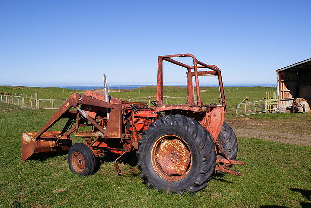 renault 651 tractor with not much but water between it an flickr photo sharing. Black Bedroom Furniture Sets. Home Design Ideas