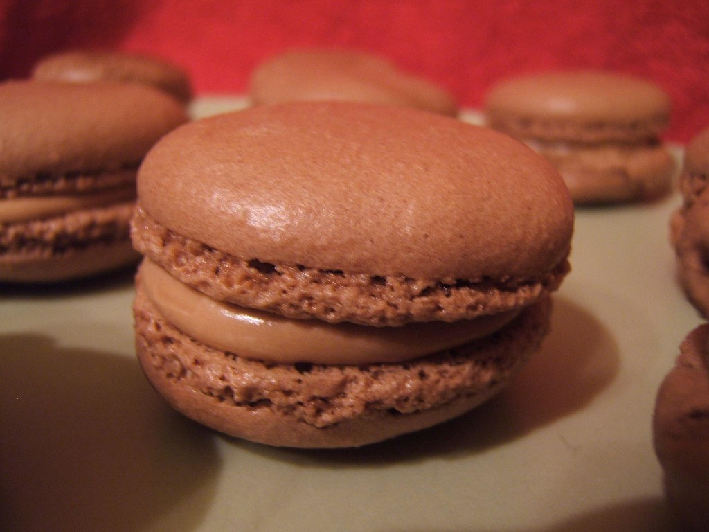 recette - macarons tout chocolat ganache carambar