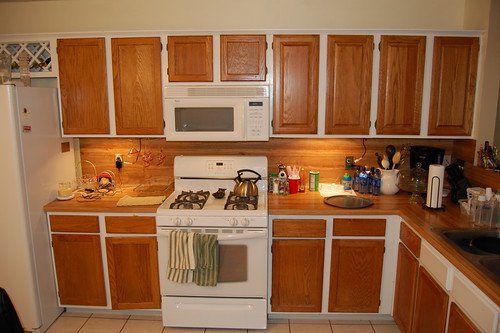 WHITE CABINETS STAINLESS APPLIANCES