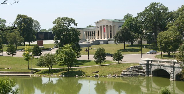Albright-Knox Art Gallery by CC user dpape on Flickr