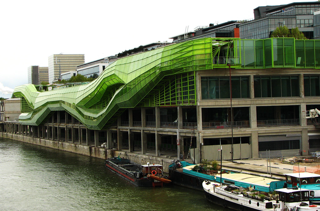 Moderne architectuur in parijs for Maison de la mode et du design paris