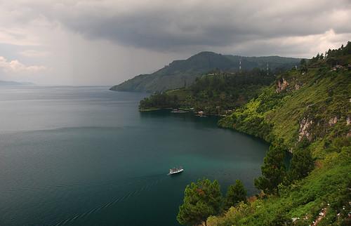 lake indonesia gettyimages danau danautoba sumaterautara northsumatera tobalake tobasa thebiggestvolacanolakeintheworld