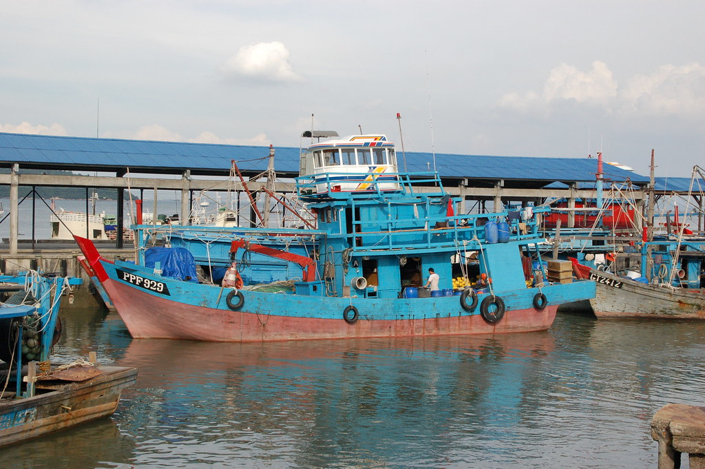 Batu Maung vessel photo courtesy of Marufish on Flikr