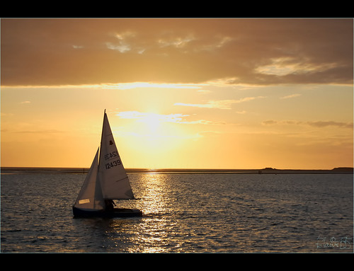 Sailing-in-the-suns-shadows