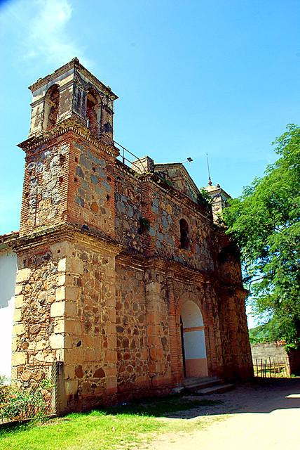 Iglesia del canton El Hormiguero (Comacarán)