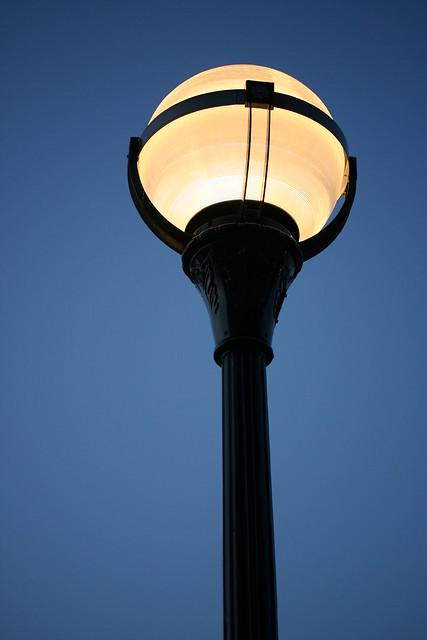 art deco street lamp flickr photo sharing. Black Bedroom Furniture Sets. Home Design Ideas