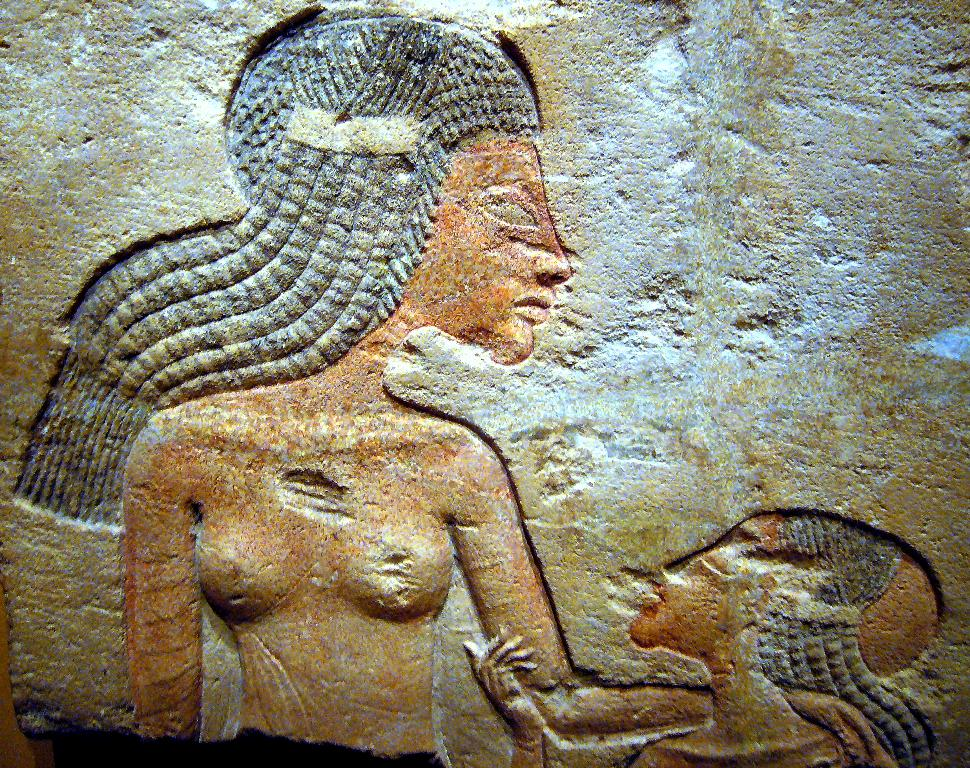an analysis of akhenaten in the story told with commentary of egyptian scholars Some scholars believe that the mother of tutankhamun was not nefertiti but one of akhenaten's sisters nefertiti was closely involved in akhenaten's public activities, including those at amarna, and was a major cultic figure in his monotheistic worship of aten.