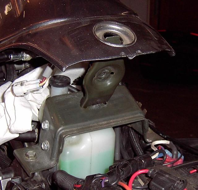 Lifting Fuel Tank On A  Suzuki Dl